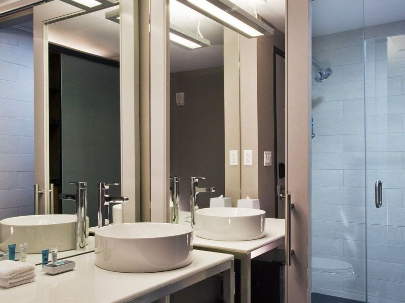Model-Room-Bathroom