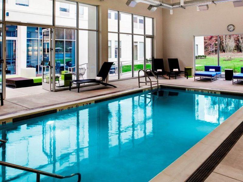 alf3047po-88513-Splash-indoor-pool