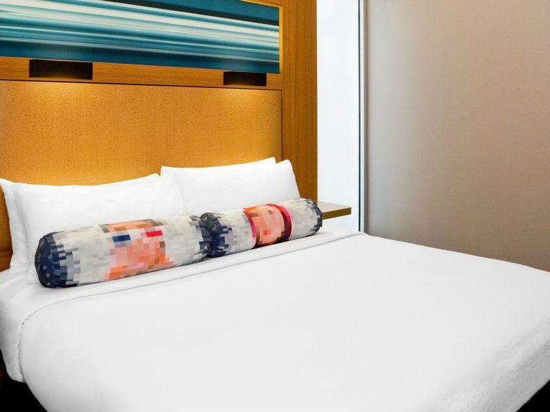 alf3050gr-175926-King-Guestroom-1