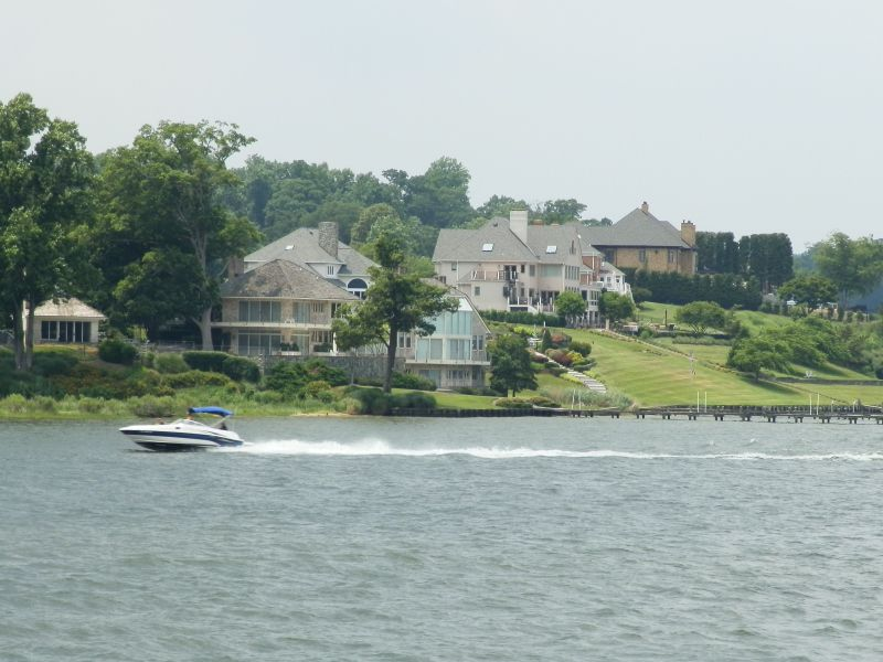 Waterfront Homes from a Severn River Cruise
